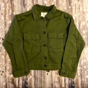 NWT Forever 21 olive green cropped utility jacket